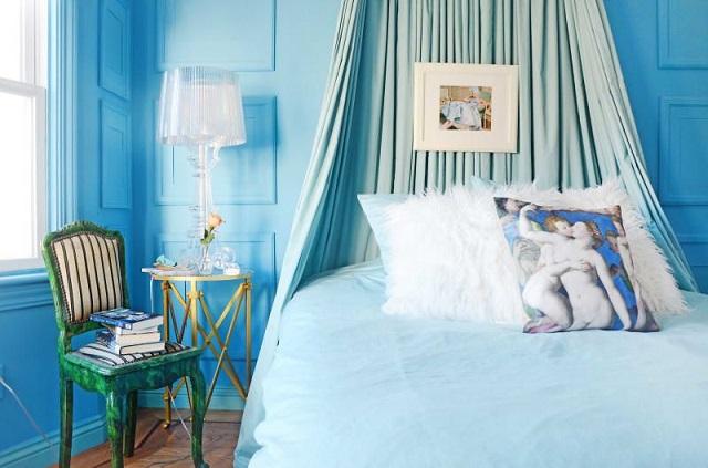 Phòng ngủ màu xanh coban